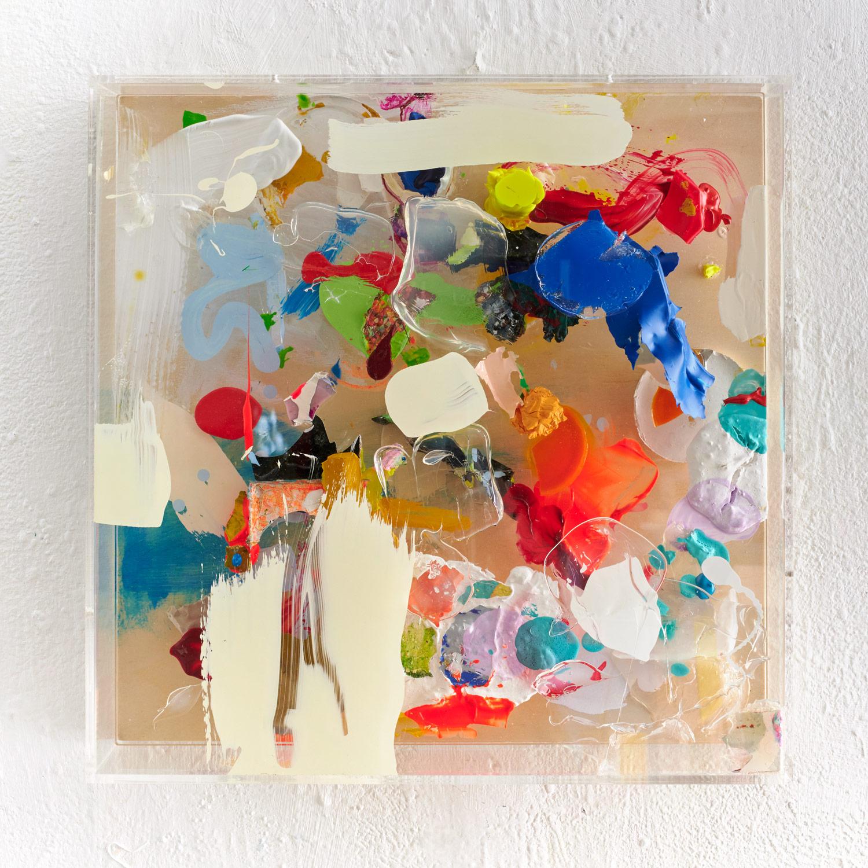 Closed Plexi, 2019, 40 x 40 cm, mixed media in acrylic box