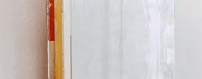 """Hohles Grau"", 84x51x9 cm, Acryllack, Holz, 1995"