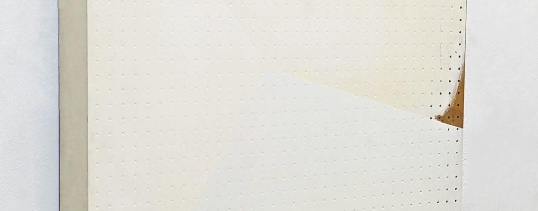"""Keine fixe Ecke"", 68x90x12 cm, Acryllack, div.Materialien, 1996"