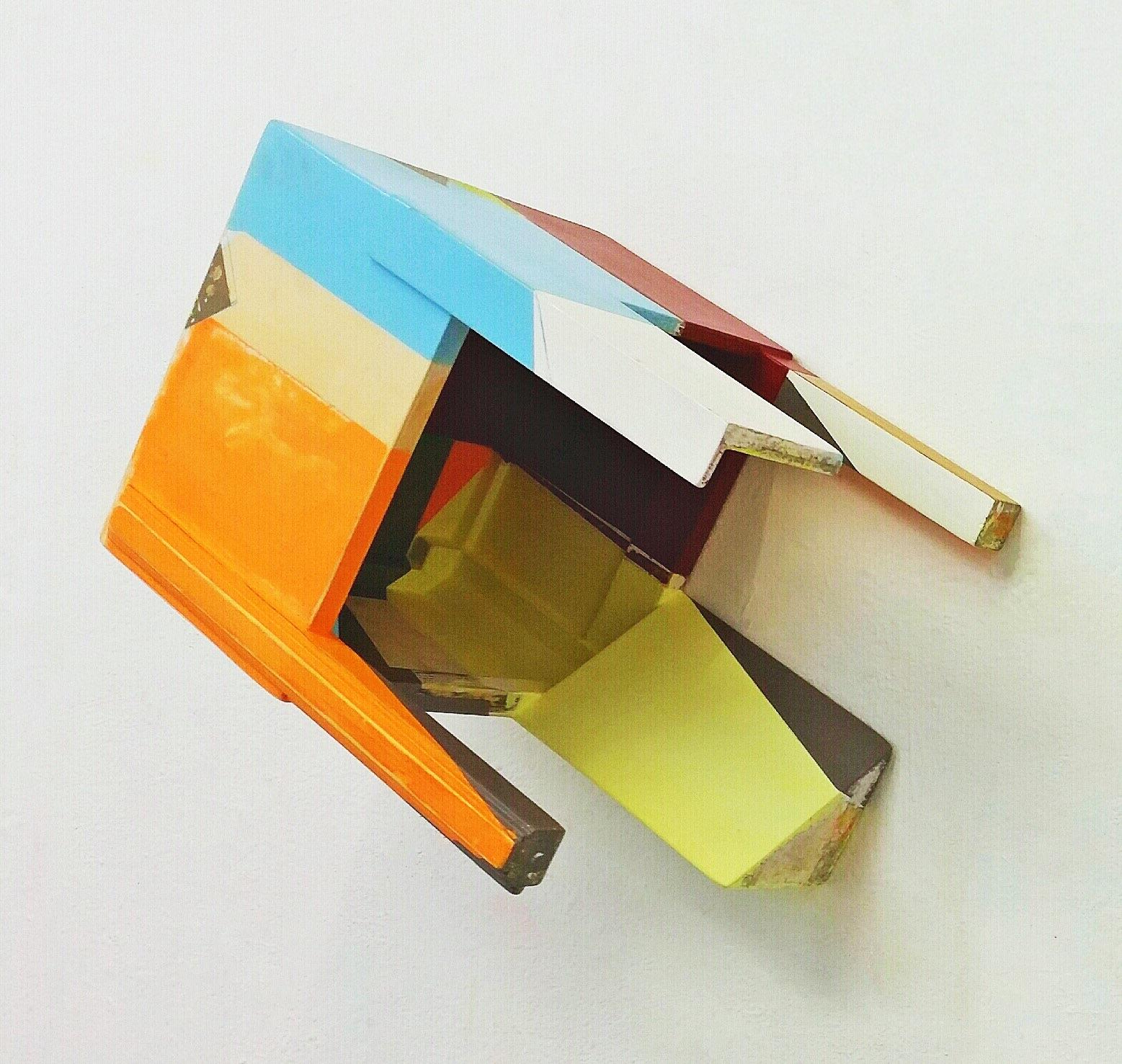 """Fliegt doch!"", 44x31x33 cm, Acrylfarbe, Holz, 2017"